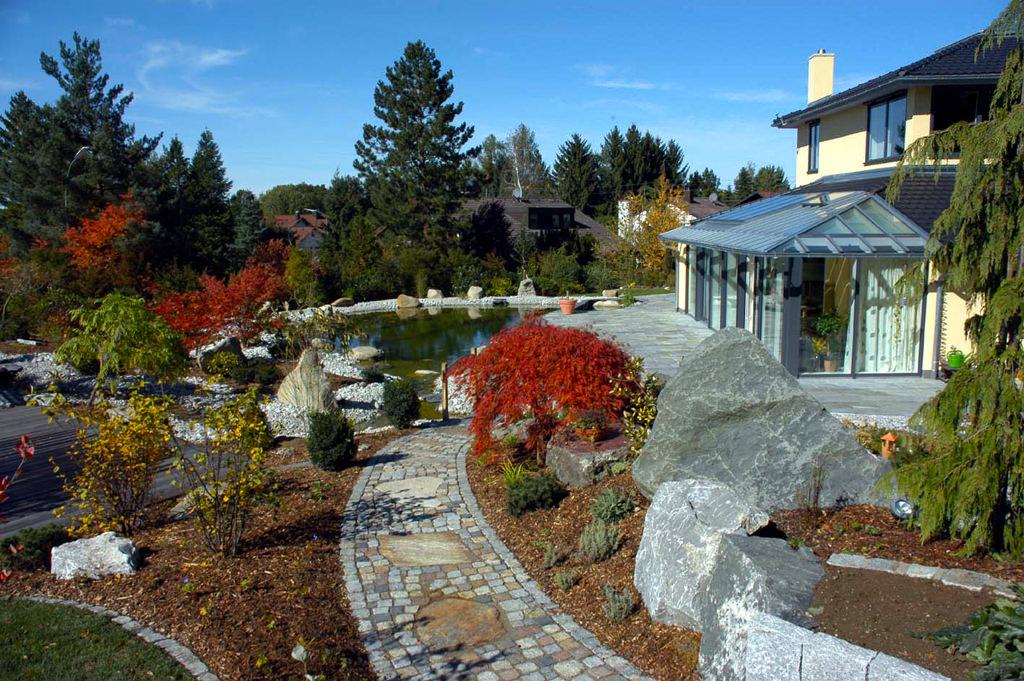 Gartengestaltung im grossraum muenchen 2 teichbau for Gartengestaltung um einen baum
