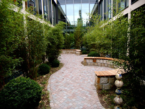 Innenhofgestaltung baenke schloss schoenefeld in leipzig for Gartengestaltung leipzig